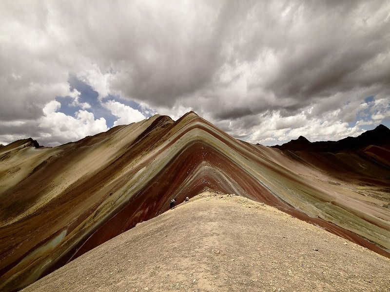 "800 x600andean lodges336 - Apu Ausangate or ""Mountain of Seven Colors"" viral video"