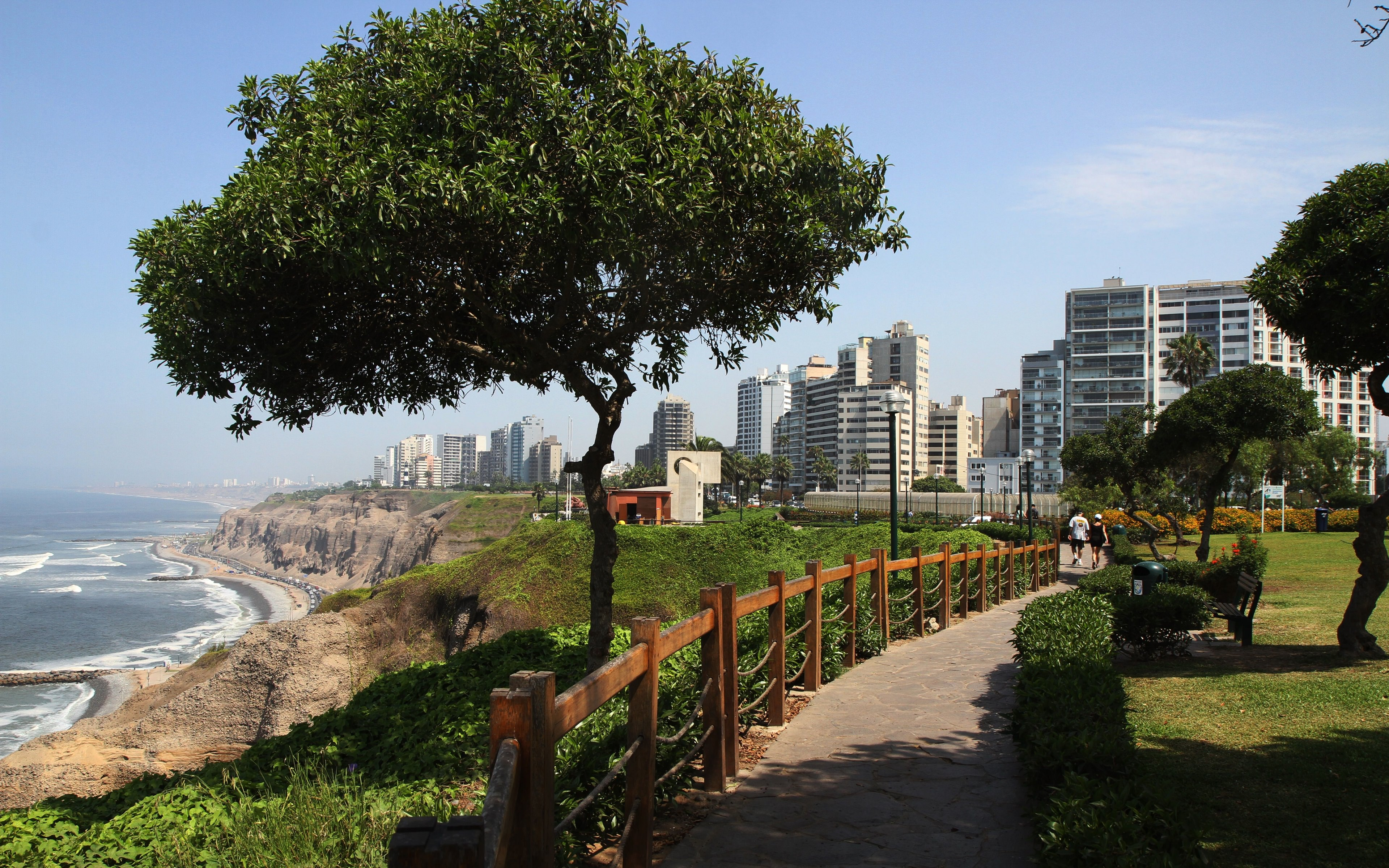 FEATURED LIMA - Lima