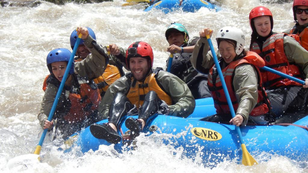 FEATURED RAFTING TWO CANYONS 1 1024x576 - 4 DAYS REFUGIO AMAZONAS LODGE IN TAMBOPATA